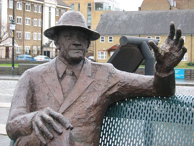 Stolen Alfred Salter statue, Rotherhithe - mks